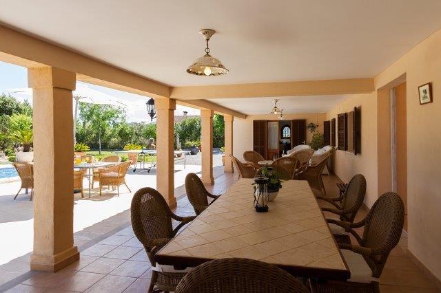 Villa Aina Francisca -terras