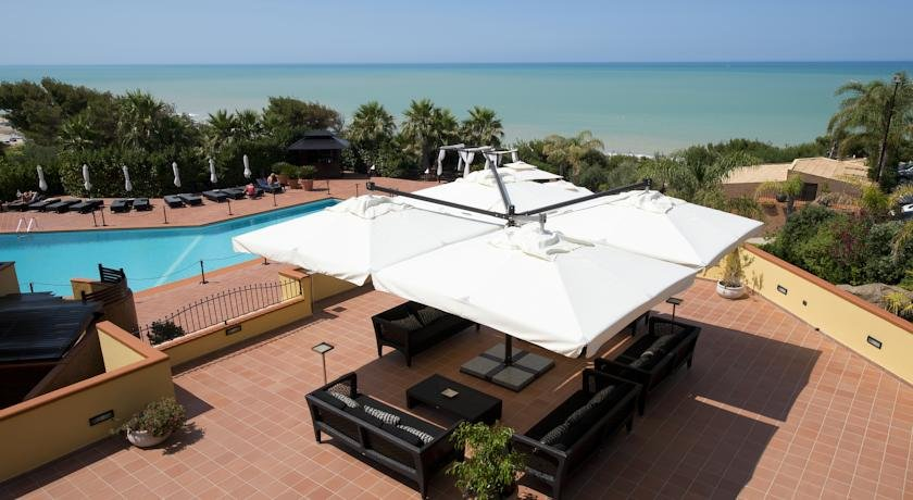 Hotel Baia di Ulisse - zwembad