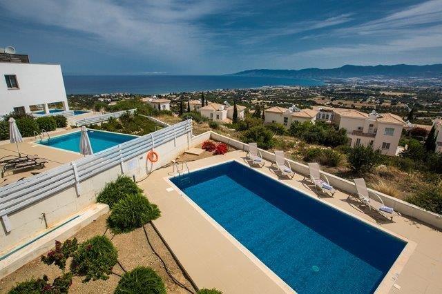 Villa Latchi Deluxe - zwembad