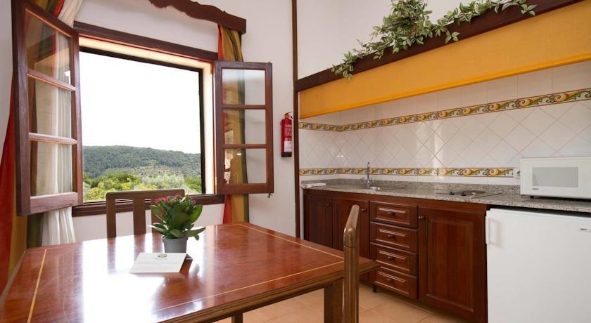 Hotel Monnaber Nou - keuken van het appartement
