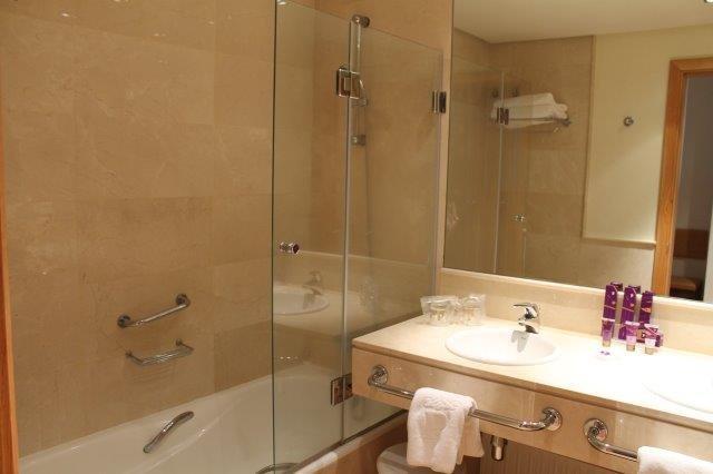 Hotel Parador de Tejeda - badkamer