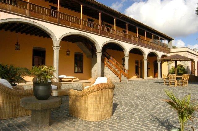 La Hacienda - buitenkant