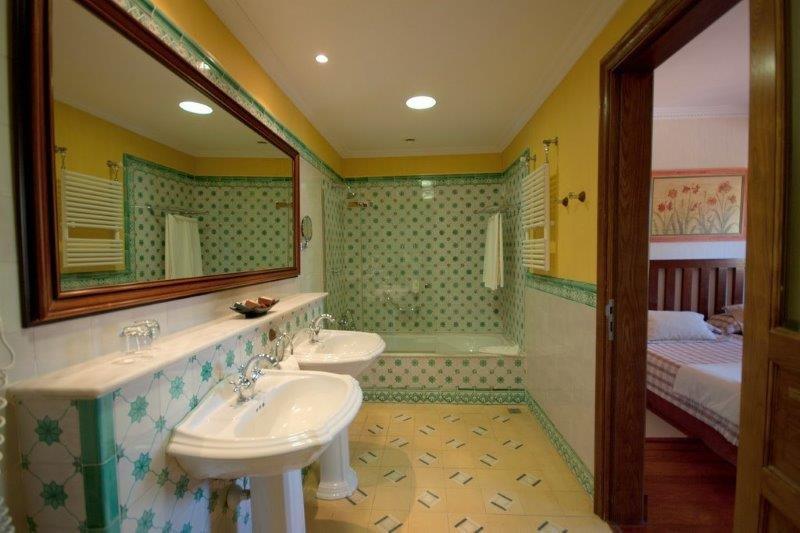 Hotel Spa Villalba - badkamer