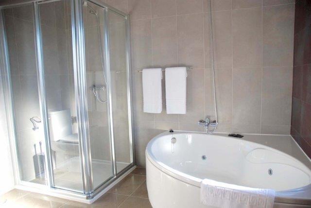 Villa Caletas - badkamer