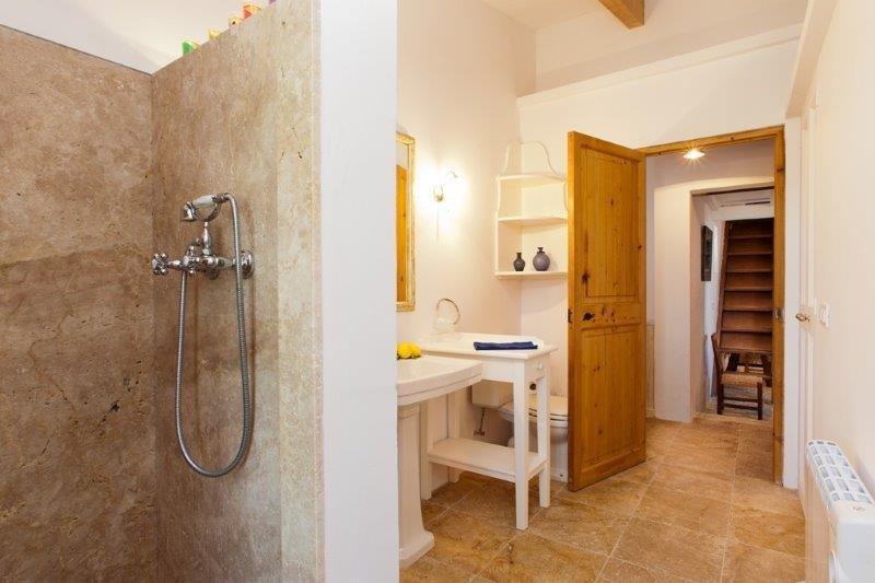 Villa Can Cremat - badkamer