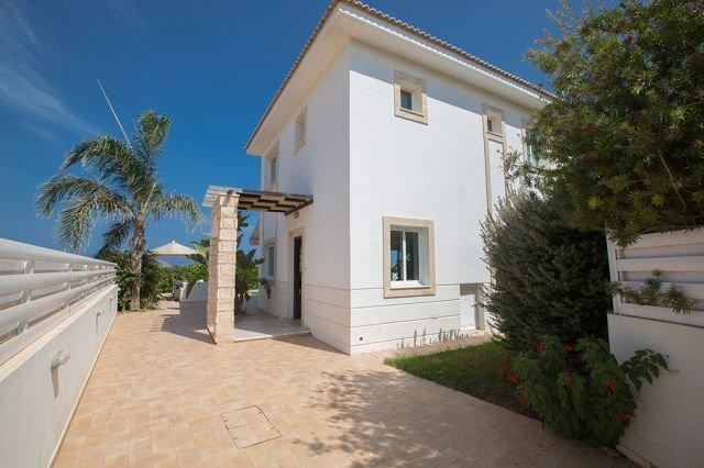 Villa Pernera