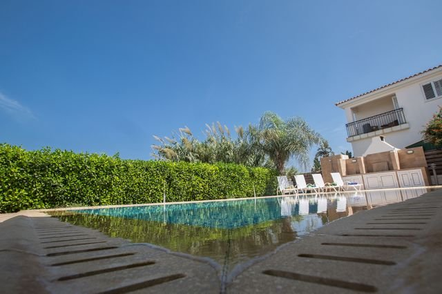 Villa Pernera - zwembad