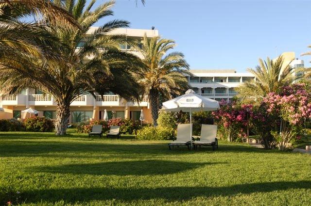 Hotel Athena Beach - tuin