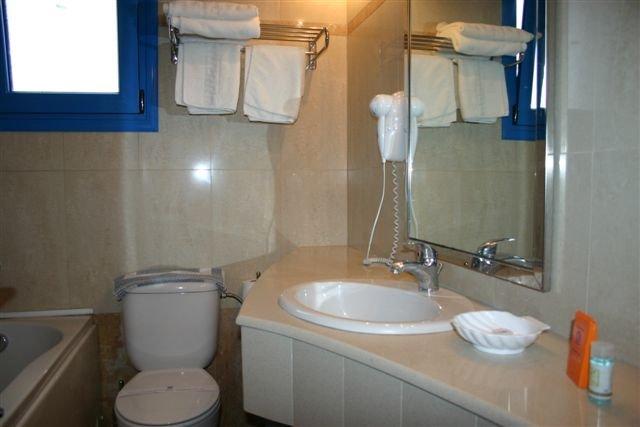 Villa Symi - badkamer