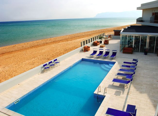 Hotel La Battigia - zwembad, strand en zee