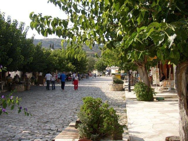 Fly-drive Cyprus - Omodos