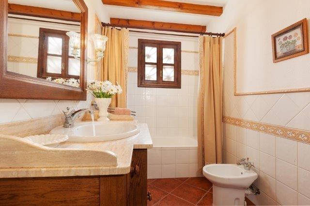 Villa Encis - badkamer