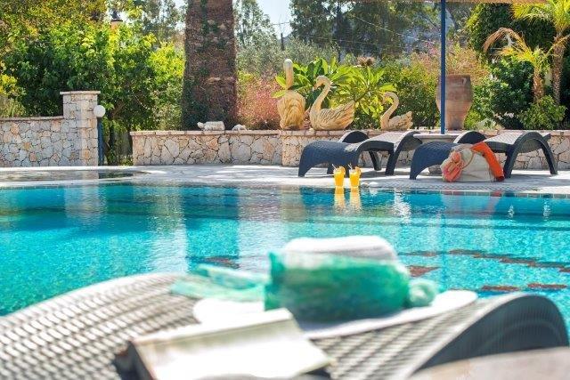 Appartementen Elefteria - zwembad