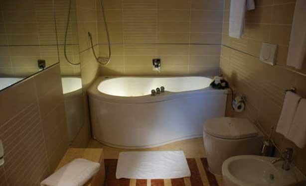 Hotel Mahara -badlkamer