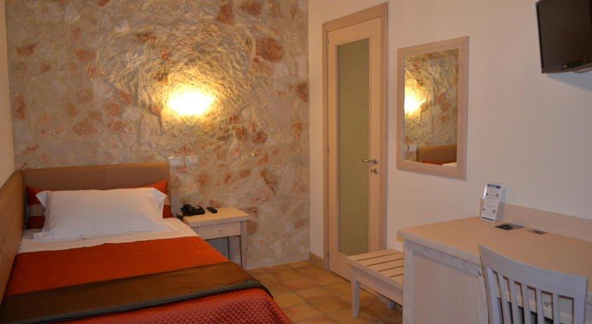 Hotel Artemisia - hotelkamer