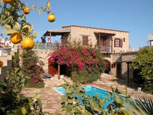 Fly-drive Paleo Pafos - Village Houses Tochni