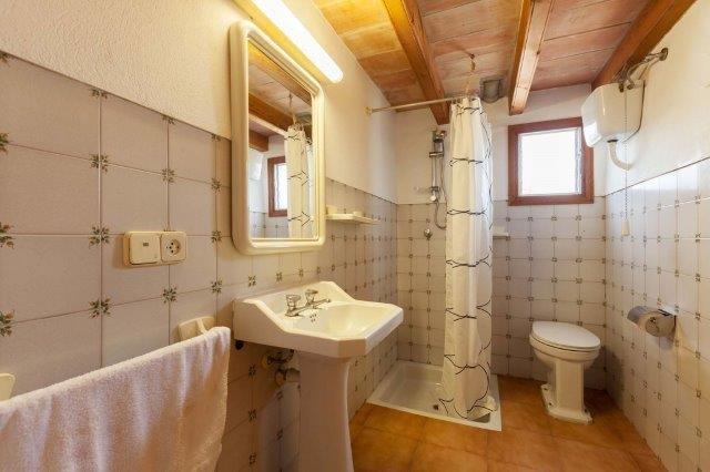 Villa Ferragut - badkamer