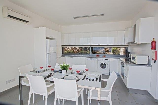 Villa Latchi Deluxe - keuken