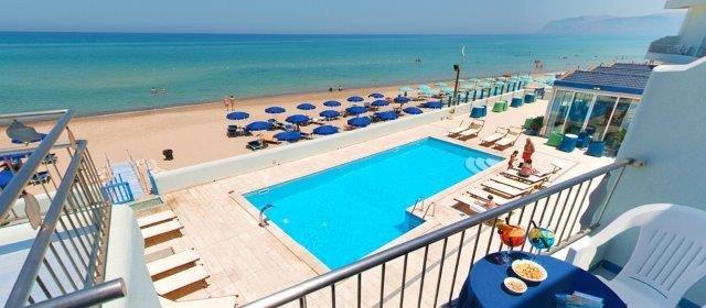 Hotel La Battigia - strand