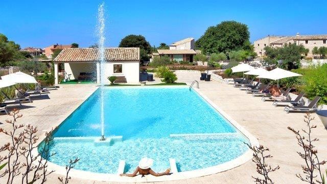 Hotel Artemisia zwembad