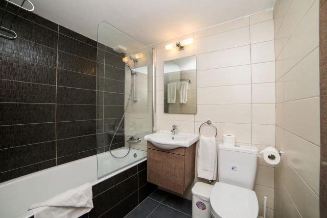 Appartementen Helios Bay - badkamer